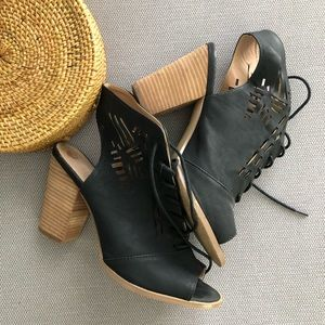 Black Sandal Boot Heels women's size 9